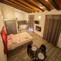 Hotel Estudios Rurales La Casa de Luis en abertura