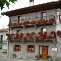 Hotel Casa Rural Martxoenea Landetxea en arakil