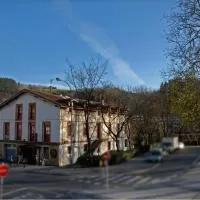 Hotel ordizia piso con vistas al parque en arama