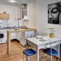 Hotel Apartamentos-Suites Los Arcos en armananzas