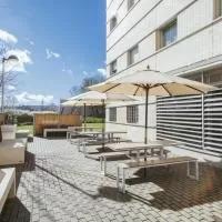 Hotel Residencia Universitaria Los Abedules en baranain