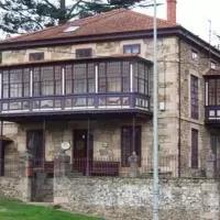 Hotel La Casona de los Lomas en barcena-de-pie-de-concha
