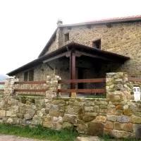 Hotel Casa Rural La Charruca en barcena-de-pie-de-concha