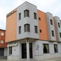 Hotel Hostal Restaurante Cuatro Caminos en belvis-de-la-jara