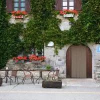 Hotel Hostal Almadiero en burgui-burgi