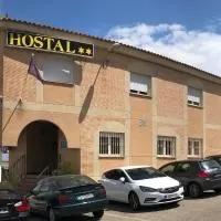 Hotel Hostal 82 en cabanas-de-la-sagra