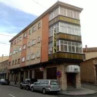 Hotel Hostal Romi en carrascal-del-rio