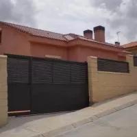 Hotel La Casa del Hispano en castillejo-de-mesleon