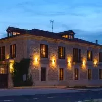 Hotel El Señorio De La Serrezuela en castro-de-fuentiduena