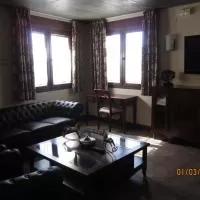 Hotel El Casón de los Poemas en cerezo-de-abajo