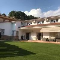 Hotel EL LLANO - El Hornillo, tu pueblo en la Sierra de Gredos. en el-hornillo
