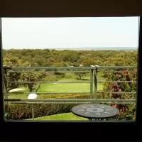 Hotel Estudio con Wifi y vistas al Campo de Golf de Salamanca en el-tejado