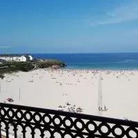 Hotel Dúplex 4 dormitorios en Playa Rapadoira en foz