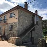 Hotel Casa de Pueblo con Merendero Opcional en herrera-de-soria