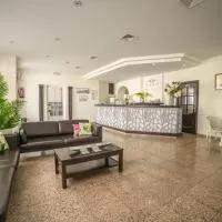 Hotel Hotel Oasis Familiar en higuera-de-vargas