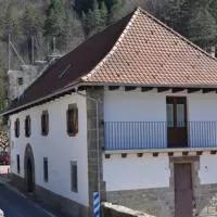 Hotel Alojamientos Rurales Apezarena en izalzu-itzaltzu