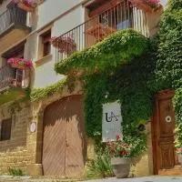 Hotel Apartamentos Uncastillo en layana