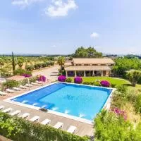 Hotel Lloseta Holiday Home Sleeps 12 with Pool and WiFi en lloseta