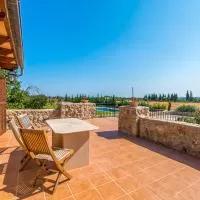 Hotel Llubi Villa Sleeps 8 with Pool Air Con and WiFi en llubi