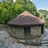 Hotel Chozos Rurales El Solitario en montemayor-del-rio