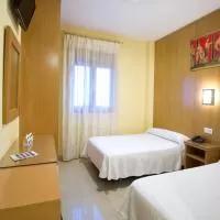 Hotel Hostal Acueducto Los Milagros en montijo