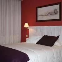 Hotel Hotel Cuatro Calzadas en mozarbez