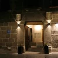 Hotel El Encanto Hotel & Cafetería en navaquesera