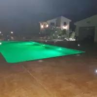 Hotel Habitación en Finca Rural el Estanque en onil