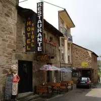 Hotel Hostal Tribal en pedralba-de-la-praderia