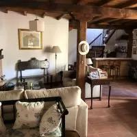 Hotel Casa con piscina en la sierra de Bejar (Peñacaballera) en penacaballera