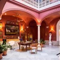 Hotel Casa Palacio Conde de la Corte en puebla-de-sancho-perez