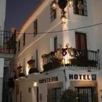 Hotel Hotel Plaza Grande en puebla-de-sancho-perez