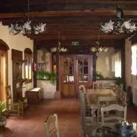 Hotel HOTEL RURAL LA ROMEROSA en riofrio-de-riaza