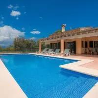 Hotel YourHouse Vernissa Nou Villa en santa-margalida