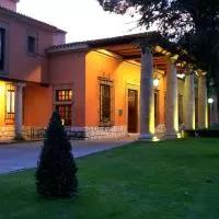 Hotel Parador de Tordesillas en torrecilla-de-la-abadesa