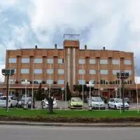 Hotel Hotel Brujas De Irues en torrellas