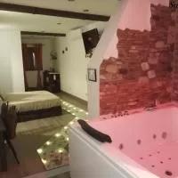 Hotel Casas Toya Jacuzzi en valdenuno-fernandez