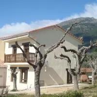 Hotel Apartamentos La Eliza en villarejo-del-valle