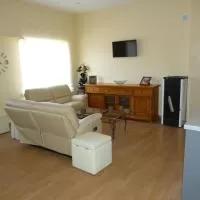 Hotel Apartamento Zapatero en villarino-de-los-aires