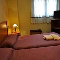 Hotel Hostal Puerta del Valle en villarmentero-de-esgueva