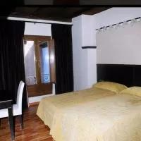 Hotel Posada Arco de San Miguel en villarroya-de-la-sierra