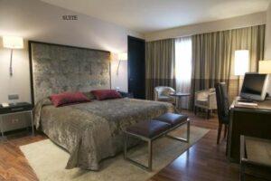 Los mejores alojamientos de El Almendro,…