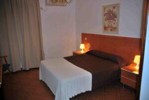 Mejores hoteles para alojarse en Albares,…
