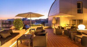 Un buen hotel en Cesuras, La…