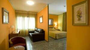 Un buen hotel en Chilches –…