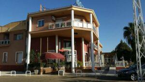 Un buen hotel en Navalvillar de…