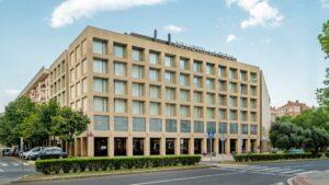 Un buen hotel en Quel, La…