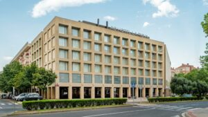 Un buen hotel en Torremontalbo, La…