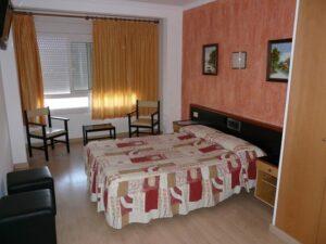 Un buen hotel en Vilobí d'Onyar,…